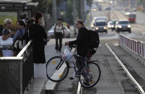 Cyklista při dopravní stávce
