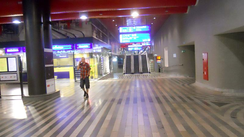 Hlavní nádraží Praha 16.června ráno