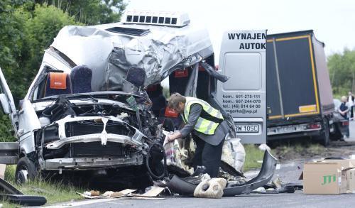 Při nehodě polského mikrobusu zemřelo osm lidí