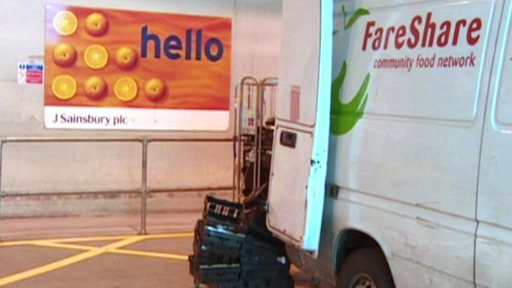 Síť supermarketů Sainsbury dává jídlo na charitu