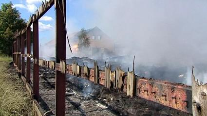 Následky požáru skládky