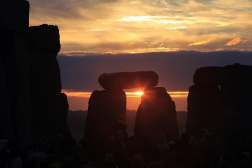 Východ slunce ve Stonehenge