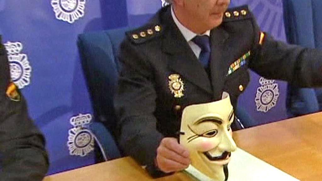 Španělská policie zatkla hackery ze skupiny Anonymous