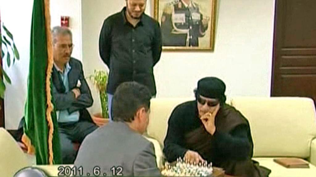 Muammar Kaddáfí a Kirsan Iljumžinov