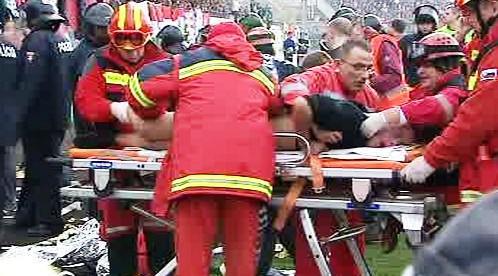 Záchranáři při fotbalovém zápasu