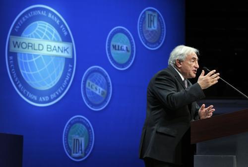 Dominique Strauss-Kahn na summitu MMF a Světové Banky