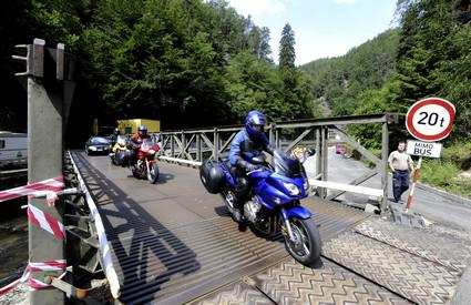 Provizorní most ve Hřensku