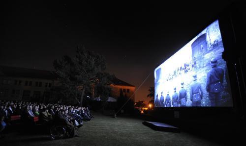 Projekce Nikolaeva filmu v Lidicích