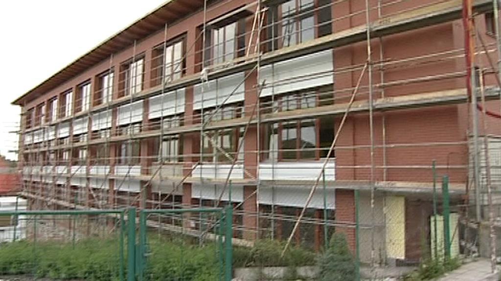 Rozestavěná budova školy