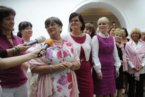 Poslankyně v růžové