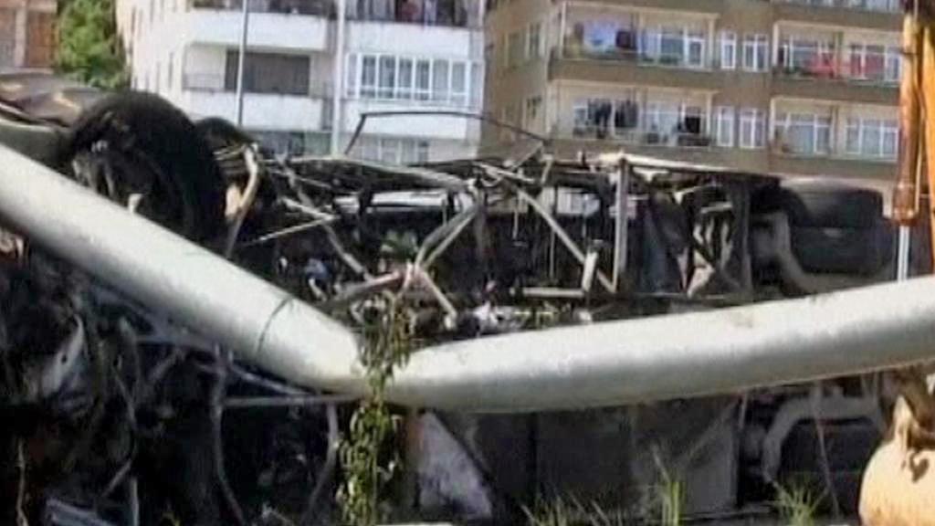 Následky požáru autobusu v Turecku