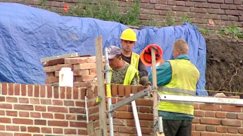 Opravy hradeb v Hradci Králové