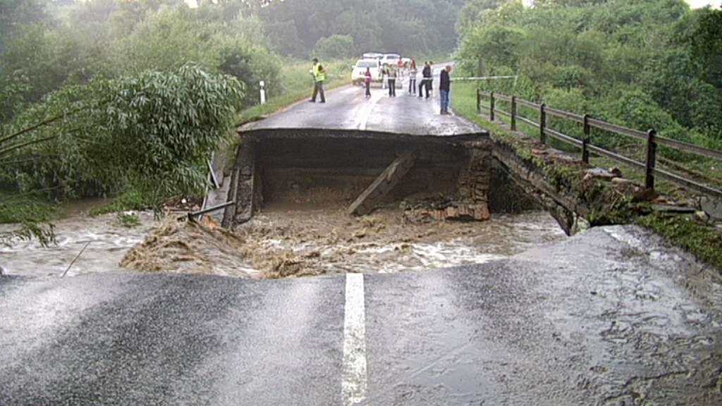 Následky povodní ve slovenských Malých Karpatech