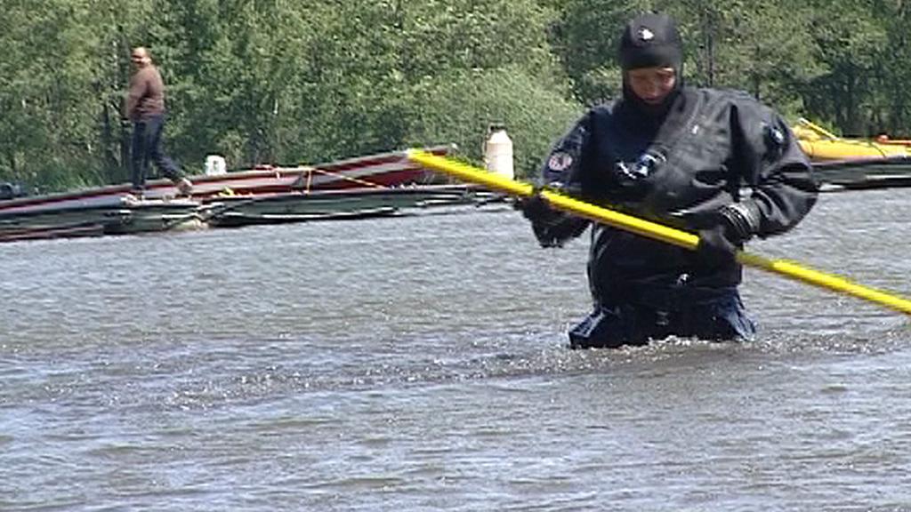 Pátrací akce na Máchově jezeře
