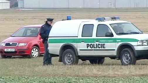 Policie šetří smrt po seskoku padákem