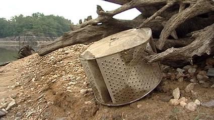 Odpad ze dna přehrady