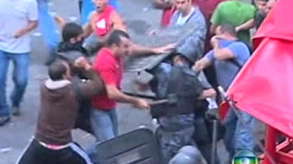 Protesty brazilských hasičů