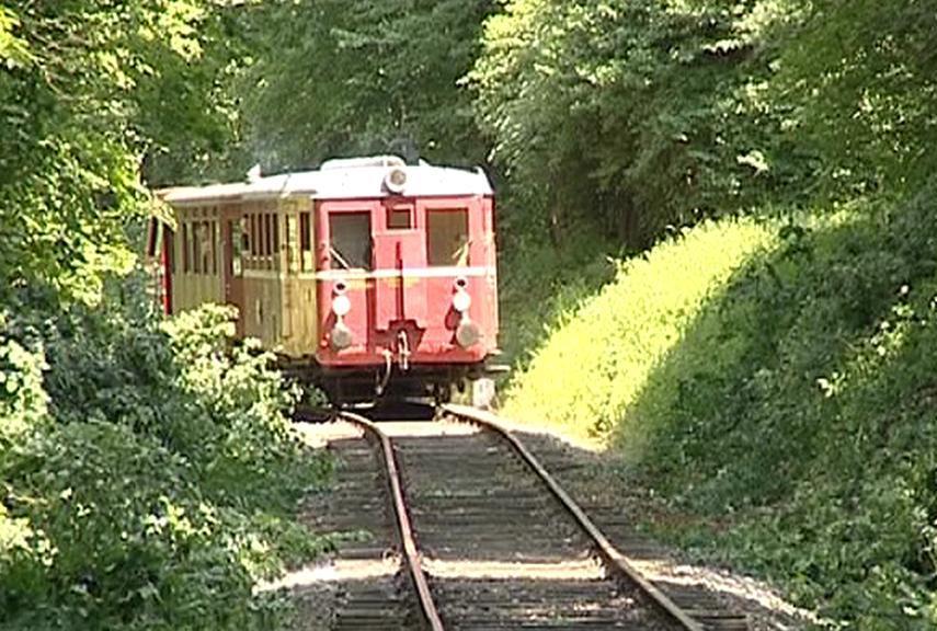 Vlak na obnovené trati