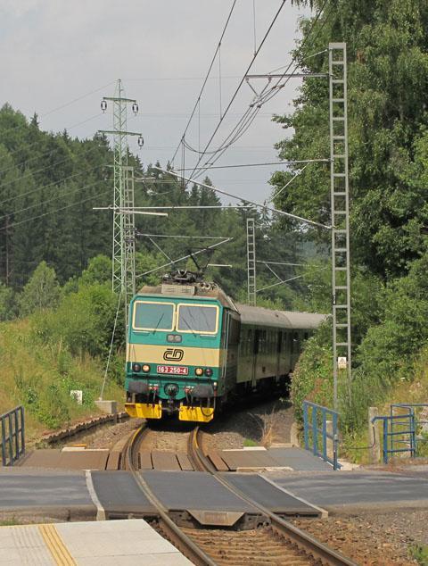 Vlak u přejezdu