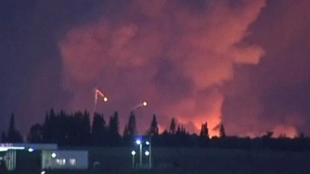 Hořící muniční sklad v Rusku