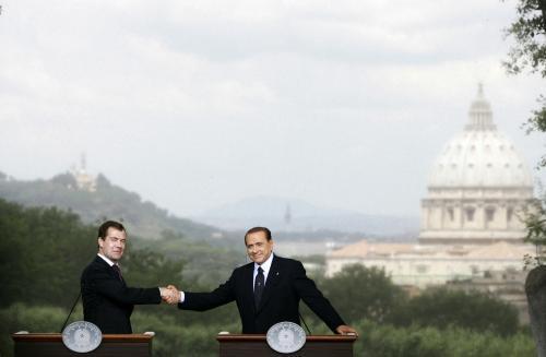 Silvio Berlusconi a Dmitrij Medvěděv