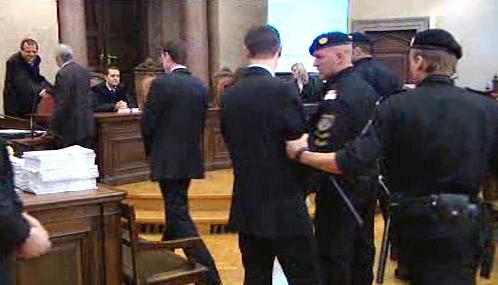 Muži obžalovaní z vraždy Israjlova před vídeňským soudem