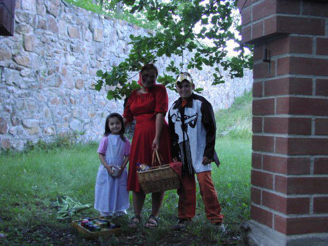 Z putování Mníškem s pohádkovými postavami