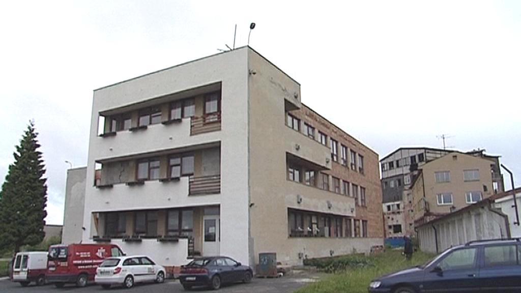 Původní budova u Horního Slavkova
