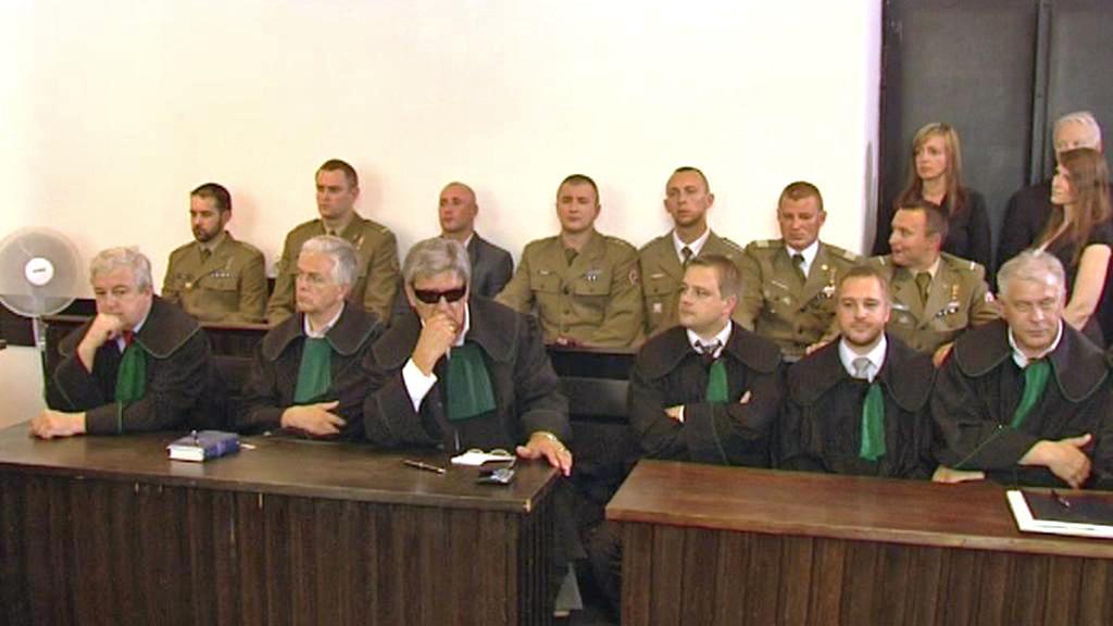 Polští vojáci u soudu