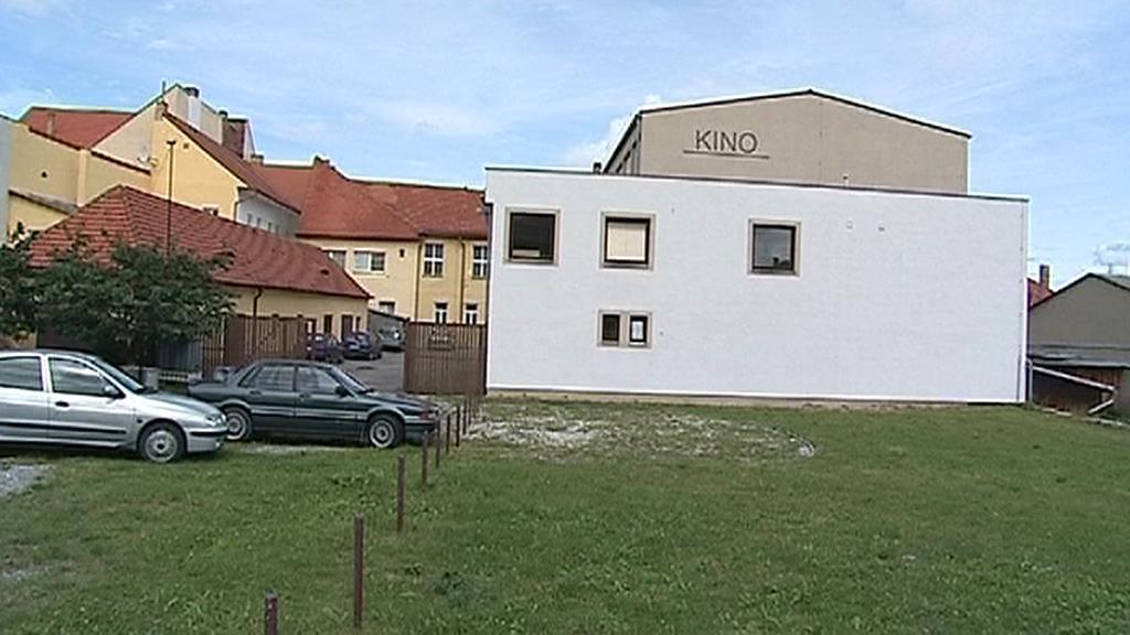 Zablokovaný církevní pozemek ve Volyni