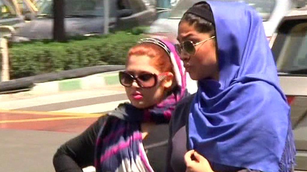 Íránky se snaží zkombinovat módu s islámskou tradicí