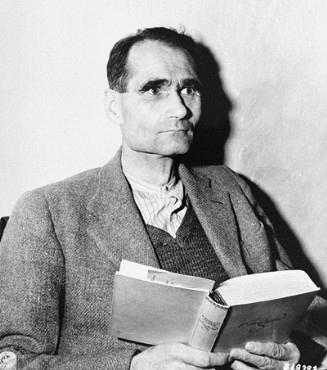 Rudolf Hess během Norimberského procesu