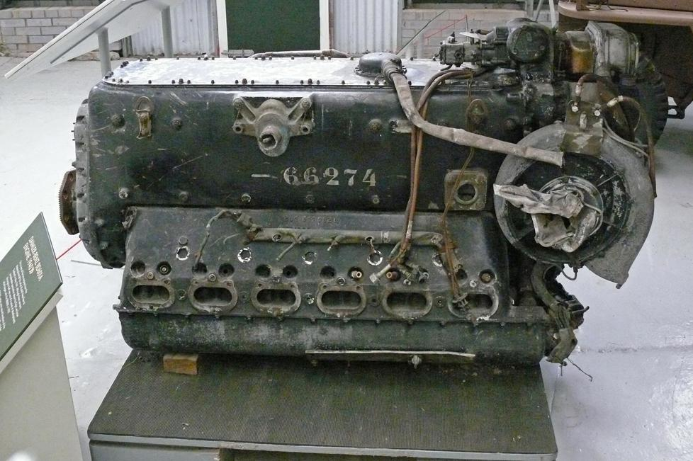 Motor Daimler-Benz DB 601 z Hessova Messerschmittu Bf 110