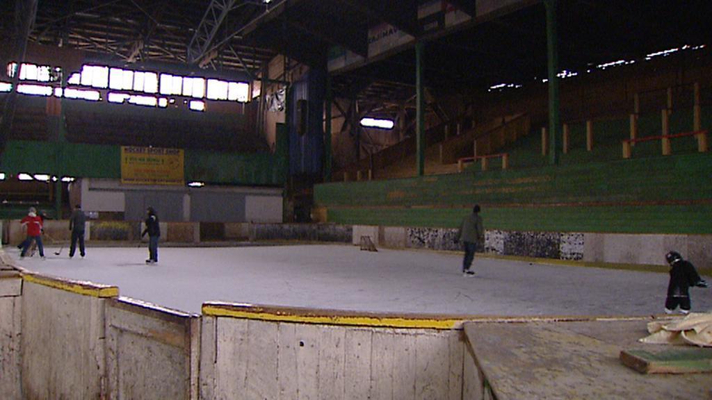Bruslaři na štvanickém stadionu