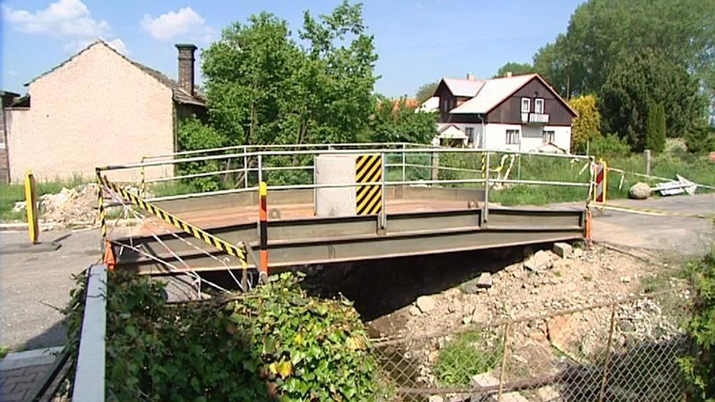 Provizorní most ve Slatiňanech