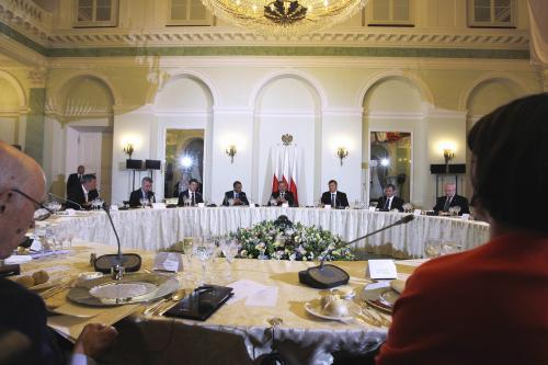 Obama na večeři s prezidenty dvaceti středoevropských a východoevropských zemí
