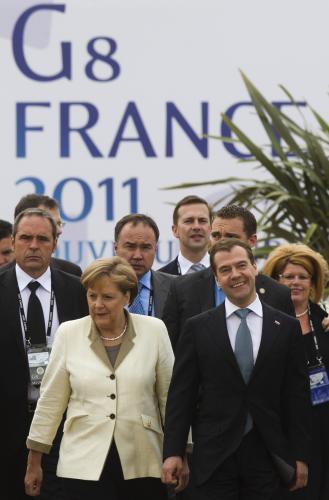 Summit G8