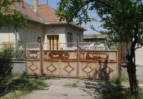 Domek, kde se skrýval Ratko Mladić