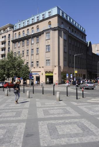 Dům na rohu Opletalovy ulice a Václavského náměstí