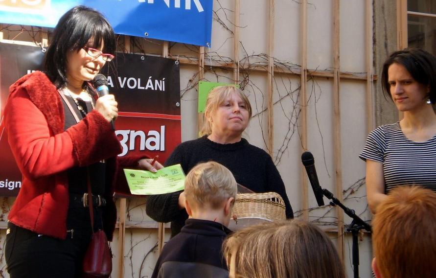 Zora Jandová jako porotkyně soutěže Brdský kos - foto z minulého ročníku