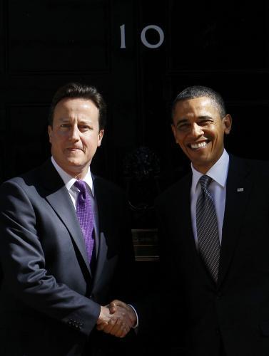 Barack Obama jednal s britským premiérem Cameronem