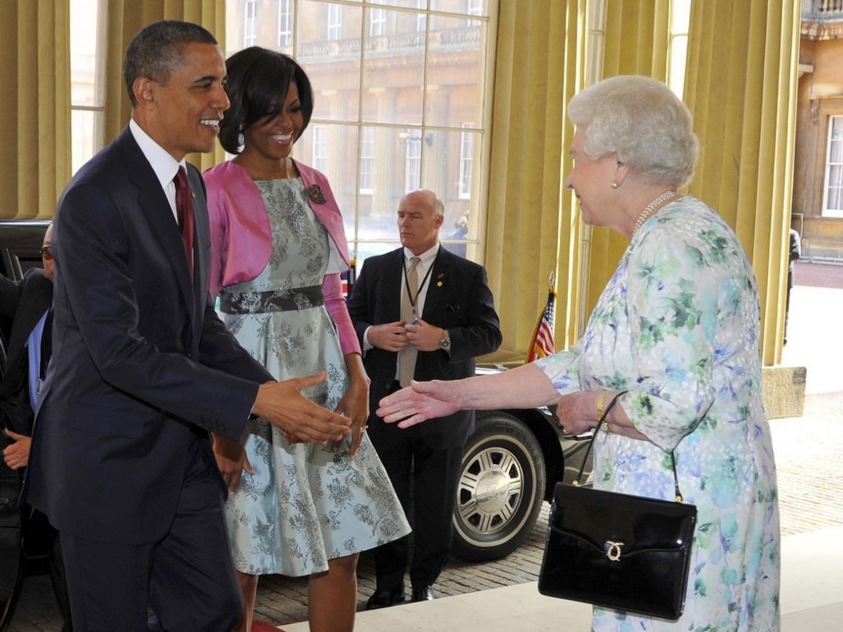 Barack Obama se setkal v Buckinghamském paláci s Alžbětou II.