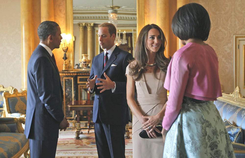 Barack Obama s chotí Michelle hovoří v Buckinghamském paláci s princem Williamem a Catherine, vévodkyní z Cambridge