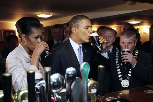 První pár Spojených stát ochutnal pravé irské pivo