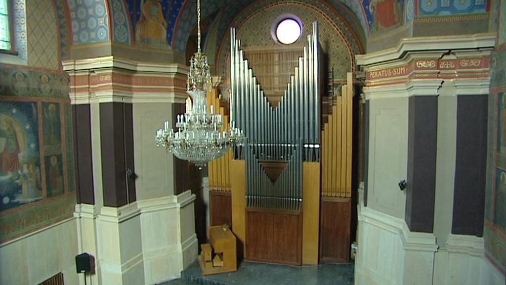 Varhany v hudební síni v Hradci Králové