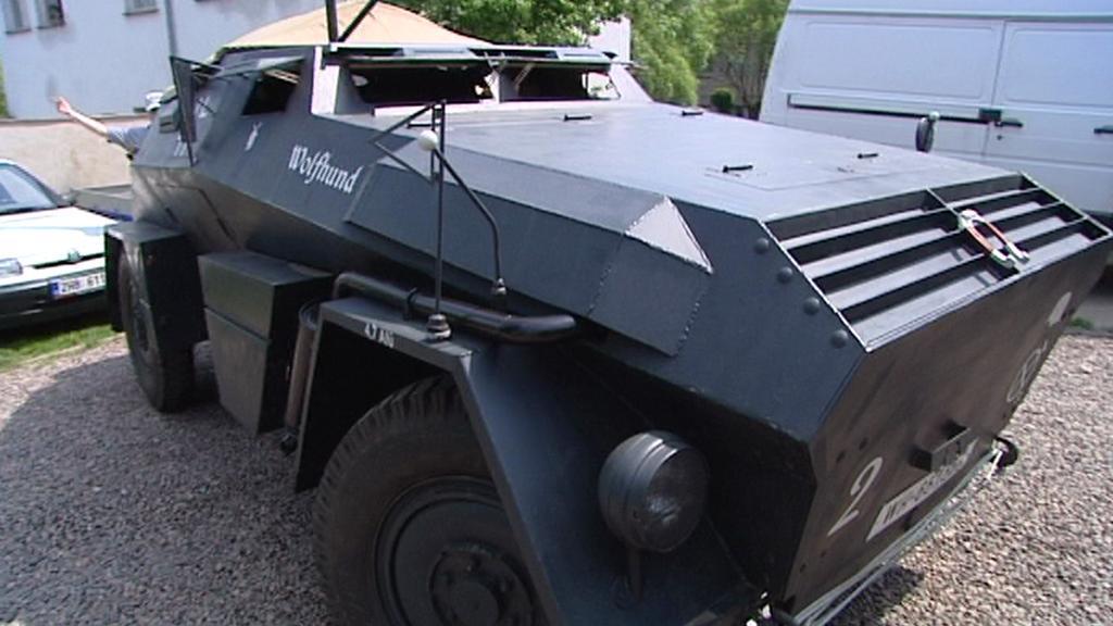 Replika obrněného auta