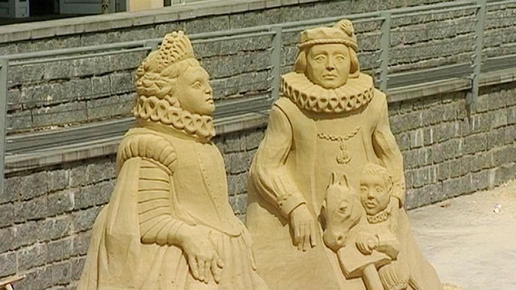 Písek ozdobí obří sochy z písku