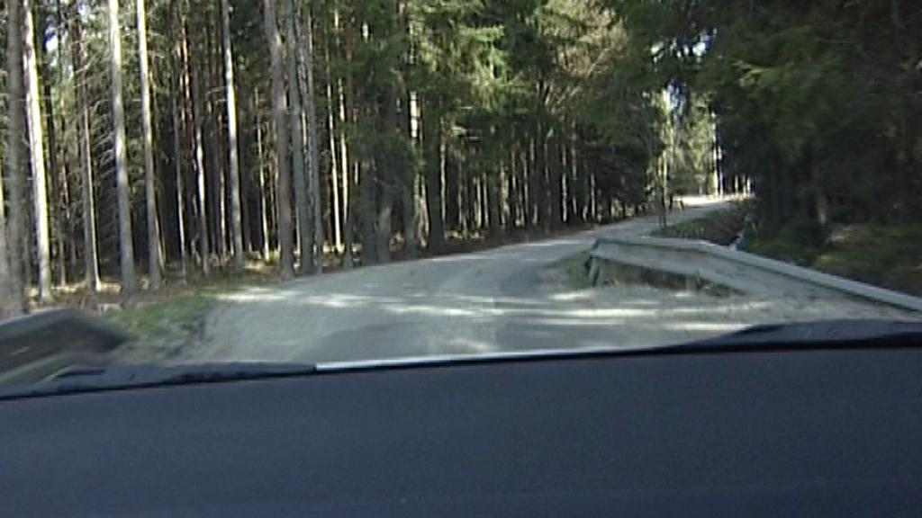 Úzká silnice