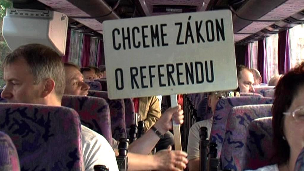 Odboráři cestující do Prahy na demonstraci