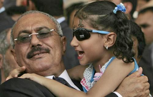 Jemenský prezident Sálih s malou stoupenkyní
